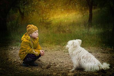 Pige og hund